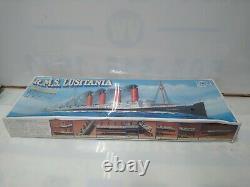 1/350 Gunze Sangyo RMS LUSITANIA SEALED MODEL SHIP KIT RARE & Display Stand 1994