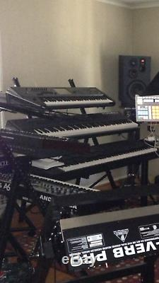 New STANDTASTIC 3-TIER KEYBOARD STAND with TRAVEL BAG and FREE SHIPPING